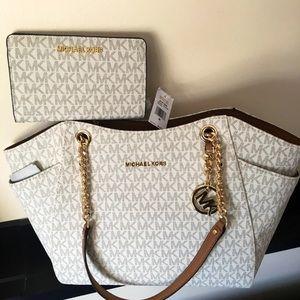 Brand new Michael Kors Purse & Wallet